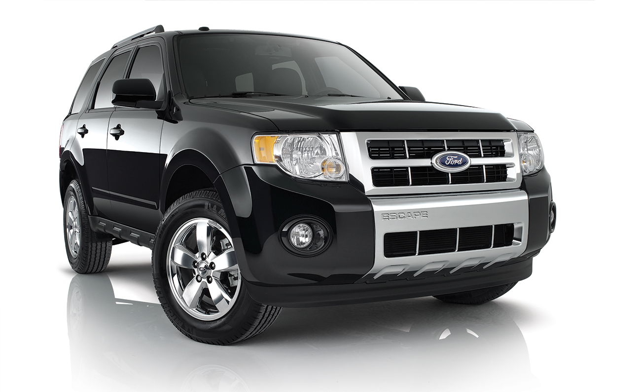 Ford Escape Studio Black Front PS 3-4 angle