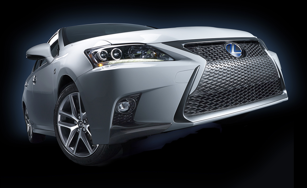 Lexus 2014 CT F Sport Low Front 7-8 angle