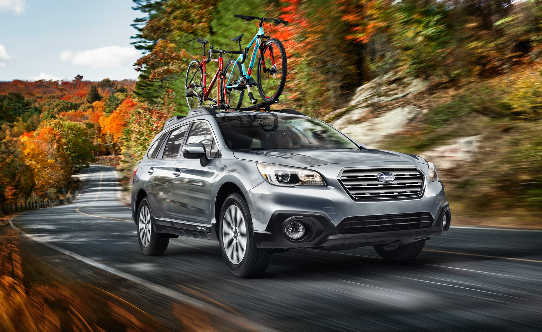 Subaru-Outback-Fall-Lake-Road